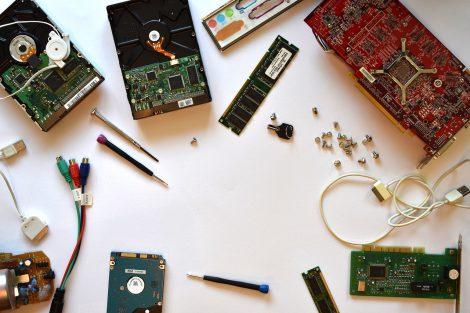 Zepsuty laptop Sprawdź czy lepiej kupić nowy czy naprawiać