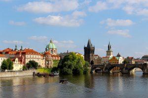 Jak znaleźć hotel w Pradze w cenie hostelu