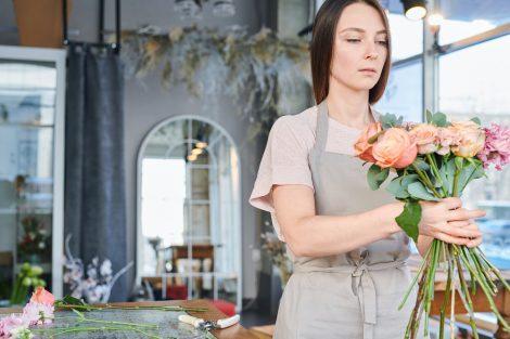 Kwiaty na rodzinną mogiłę – jaki gatunek wybrać?