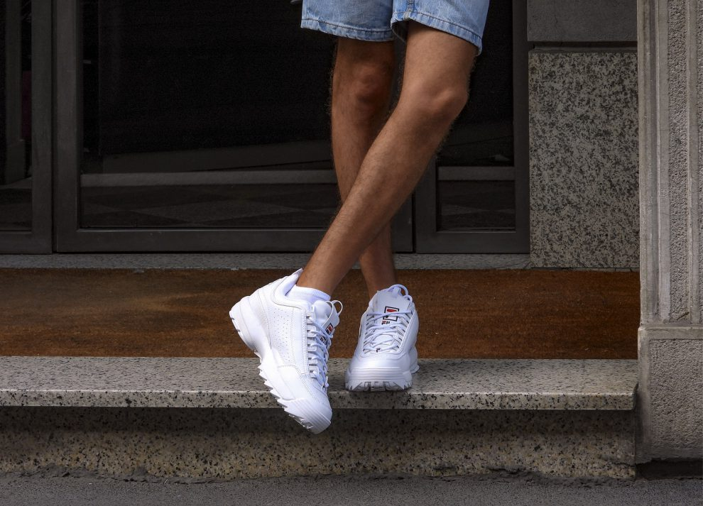 Fila Disruptor męskie – modowy hit, który doda charakteru stylizacjom. Sprawdź, z czym nosić kultowe sneakersy!