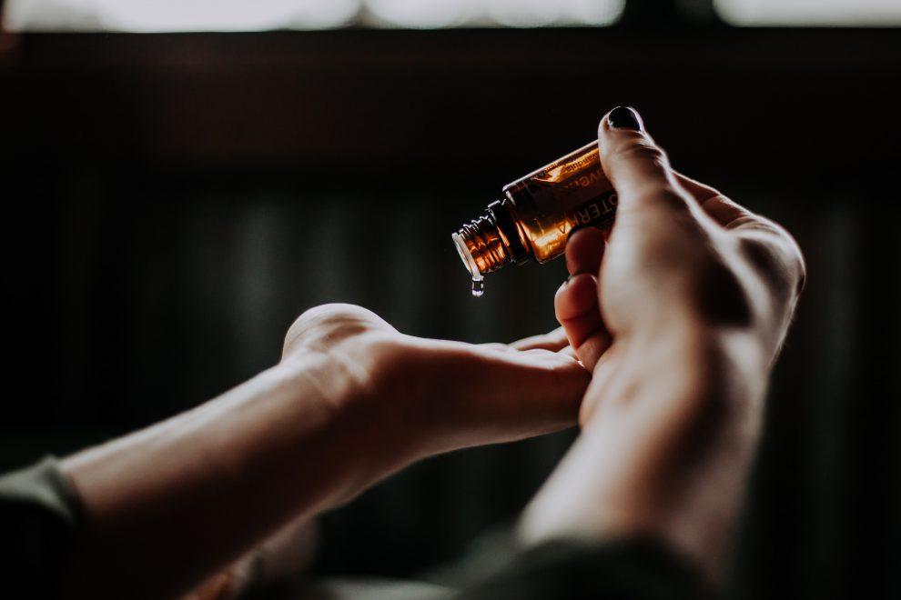 Oleje do masażu – Jak dobrać odpowiedni kosmetyk